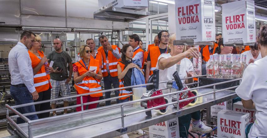 Журито на Spirits Selection посетиха най-модерната фабрика за алкохол у нас